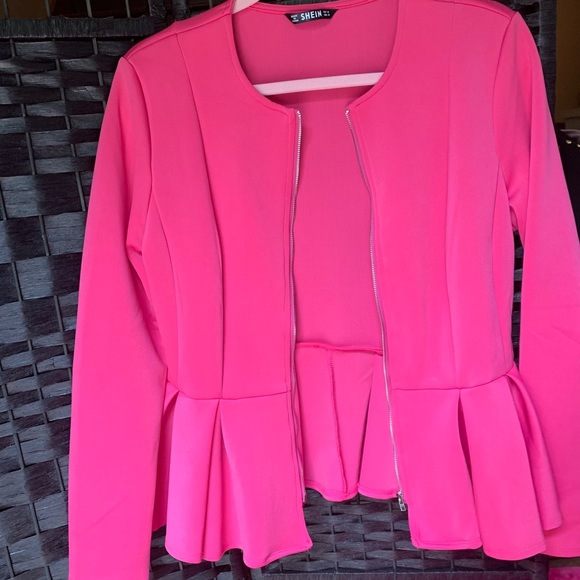 pink Zip-up blazer